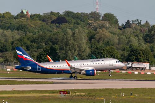 Airbus A320-214, VP-BLR
