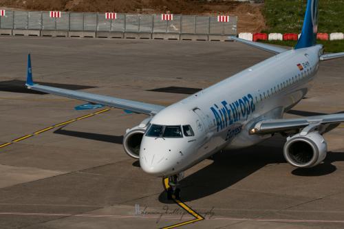 Embraer ERJ-195LR, EC-KYP