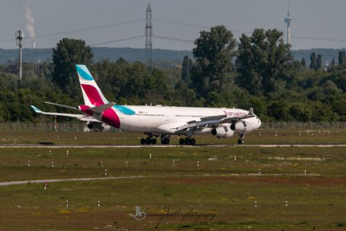 Airbus A340-313, OO-SCW